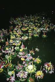 Am Lichterfest (Loi Krathong) in Bangkok